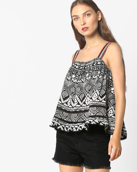 Printed Swing Top With Vented Back By AJIO ( Black )