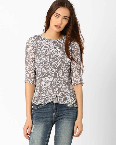Top With Ruffled Hemline By And ( Grey )