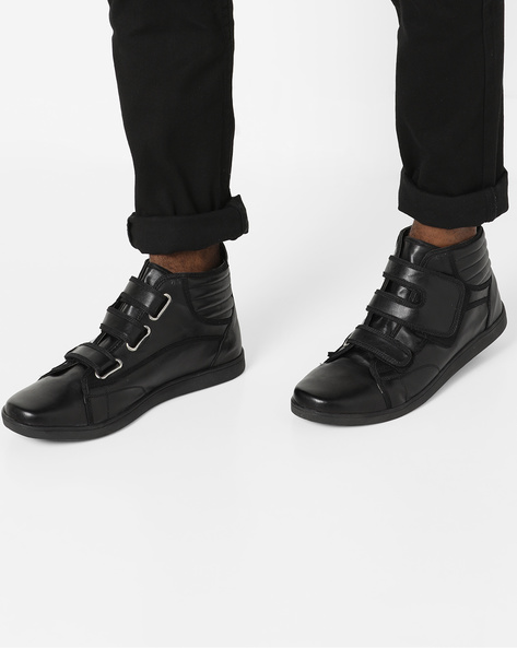 Panelled Mid-Top Sneakers With Velcro Fastening By AJIO ( Black )