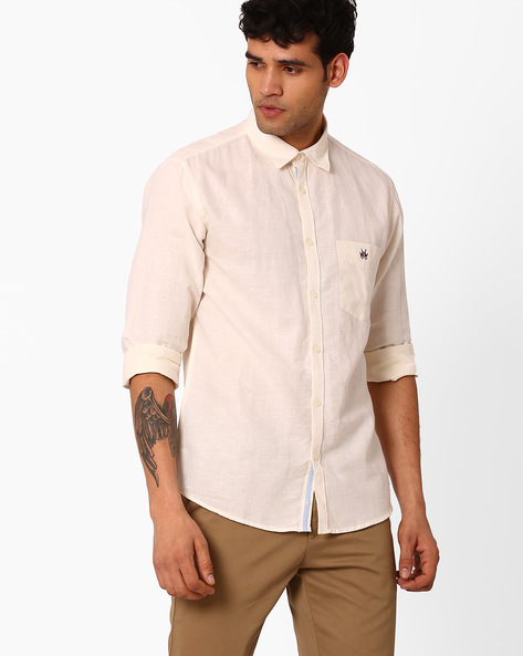 Slim Fit Shirt With Curved Hemline By CRIMSOUNE CLUB ( Cream )