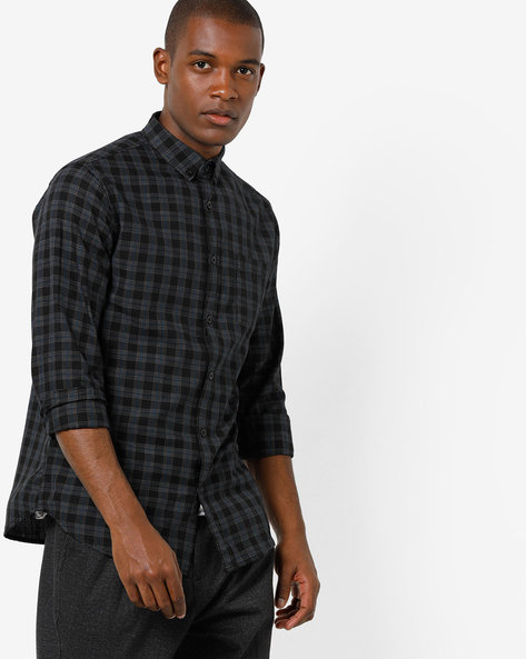 Checked Slim Shirt With Button-Down Collar By AJIO ( Black ) - 460158536009