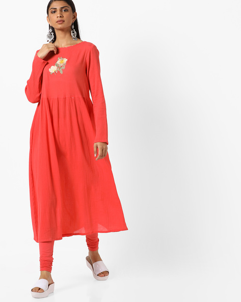 Embroidered Flared Kurta With Back Tie-Up By AJIO ( Peach )