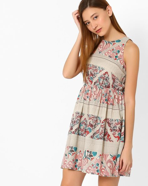 Printed Fit & Flare Dress By Vero Moda ( White )