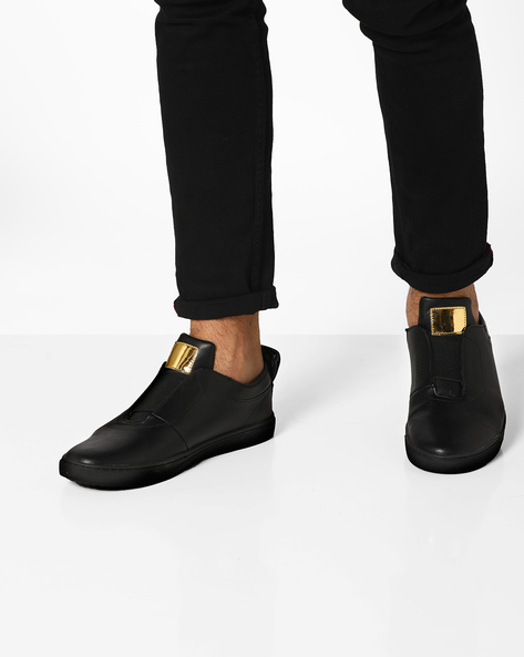 Plimsolls With Elasticated Gussets By AJIO ( Black )