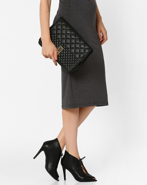 Quilt-Stitch Sling Bag By E2O ( Black )