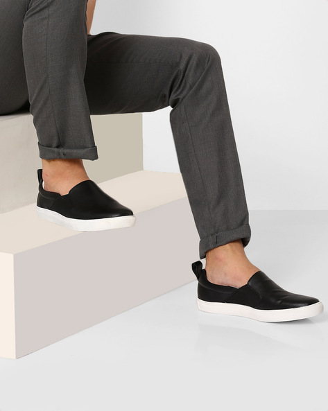 Panelled Casual Slip-Ons By AJIO ( Black )