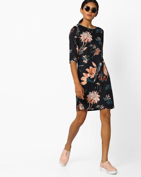 Floral Print Shift Dress By Sassafras ( Black )