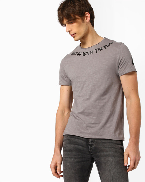 Crew-Neck T-shirt With Raw Edges By AJIO ( Grey )