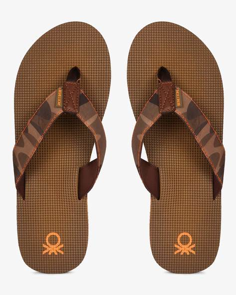 Flip-Flops With Camouflage Print Thong Strap By UNITED COLORS OF BENETTON ( Brown )