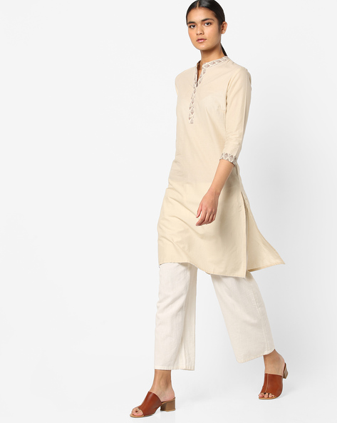 Cotton Kurta With Printed Notched Collar By AJIO ( Offwhite )
