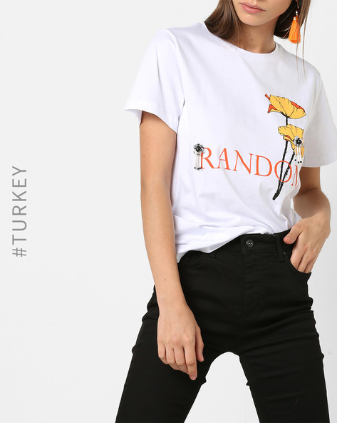 Graphic Print T-shirt With Metal Embellishments By TRENDYOL ( White )