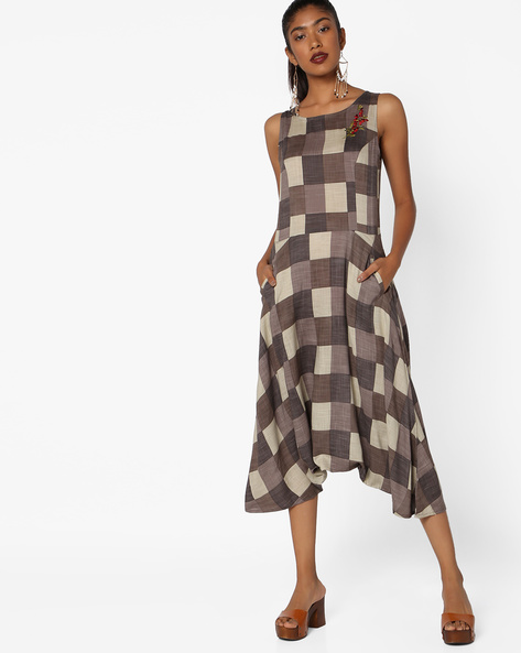Sleeveless Checked Dress With Embroidery By AJIO ( Brown )