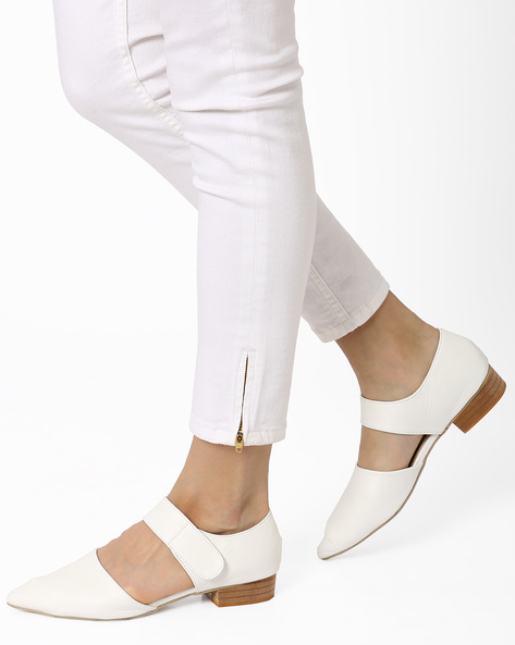 Pointy-Toe Faux Leather Sandals By MFT Couture ( White )