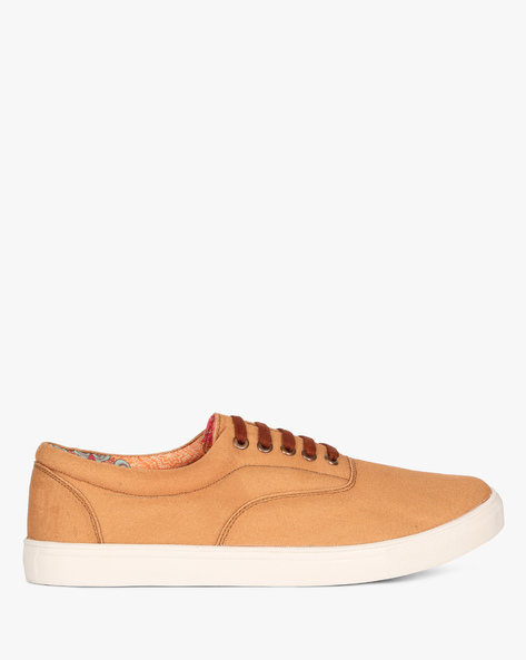 Sneakers With Lace-Up Styling By Knotty Derby ( Tan )