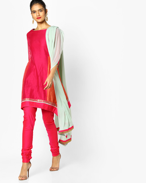Churidar Kurta With Contrast Dupatta Set By AJIO ( Fuchsia )