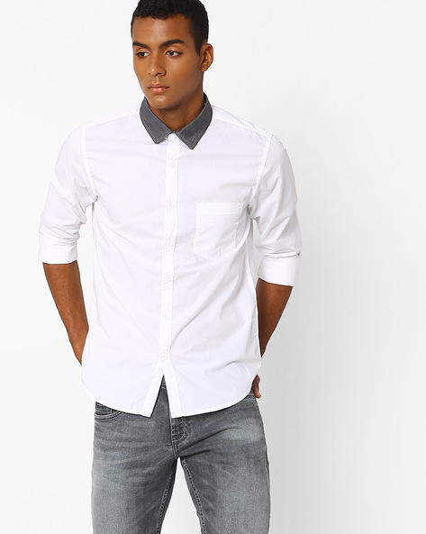 Slim Fit Shirt With Contrast Collar By AJIO ( White )