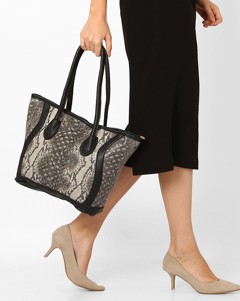 Reptilian Print Tote Bag By Joker & Witch ( Black )