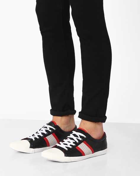 Panelled Sneakers With Contrast Toecap By AJIO ( Black )