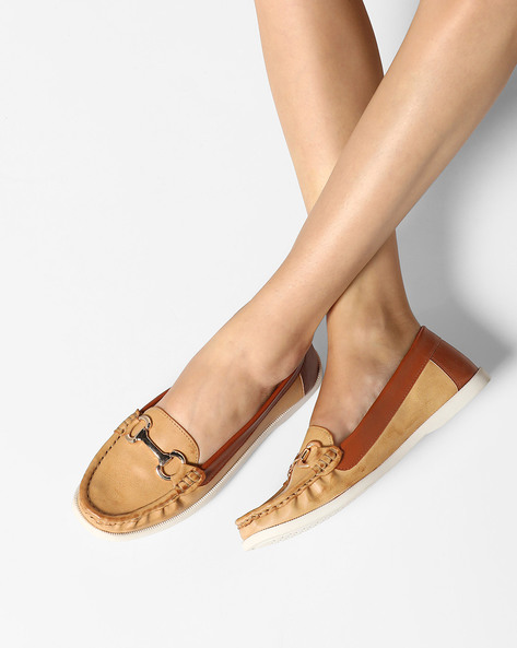 Moccasins With Metallic Detail By Carlton London ( Beige )