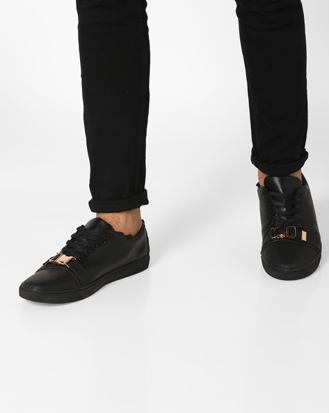 Lace-Up Sneakers With Click Clasp By AJIO ( Black )