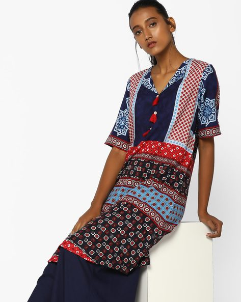 Asymmetrical Hem Printed Kurta With Tassels By Arah ( Navyblue )