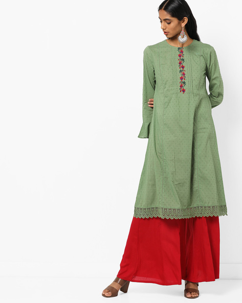 Floral Embroidered Straight Kurta With Flounce Sleeves By AJIO ( Green )