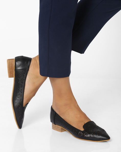Pointy-Toe Shoe With Laser Cut Detail By MFT Couture ( Black )