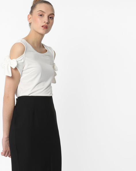 Cold-Shoulder Top With Tie-Up By FIG ( Offwhite )