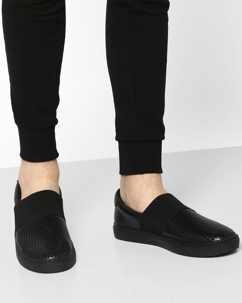 Slip-On Sneakers With Perforations By AJIO ( Black )