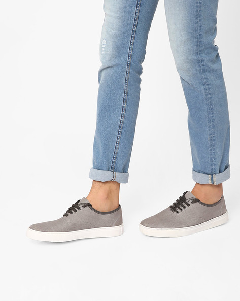 Low-Top Panelled Sneakers By AJIO ( Grey )