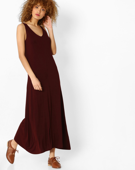 Maxi Dress With Cut-Out Back By Code ( Wine )