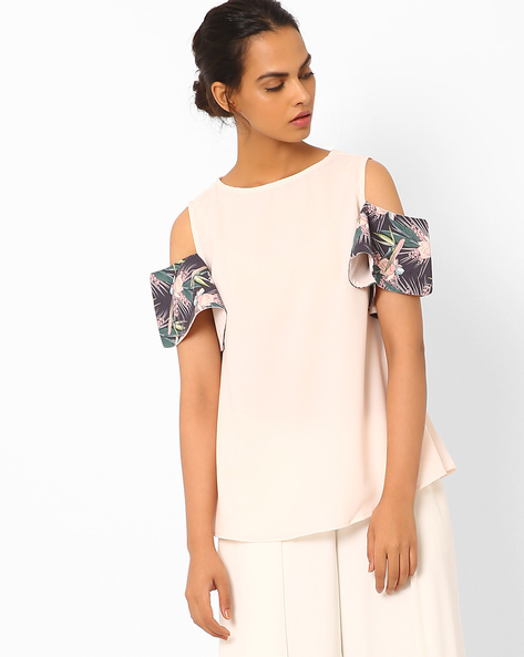 Woven Top With Cold-Shoulder Sleeves By Vajor ( Lightpink )