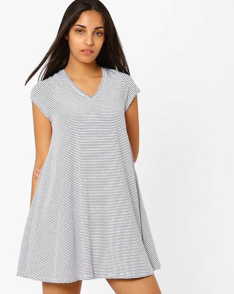 Striped Tent Dress By CHEMISTRY ( White )