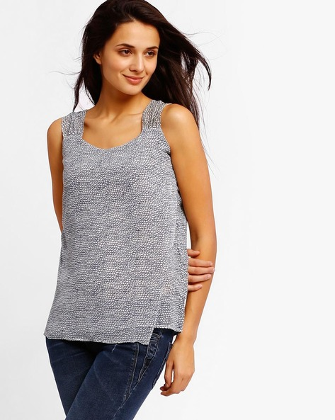 Printed Sleeveless Top By Style Quotient By Noi ( Blue )