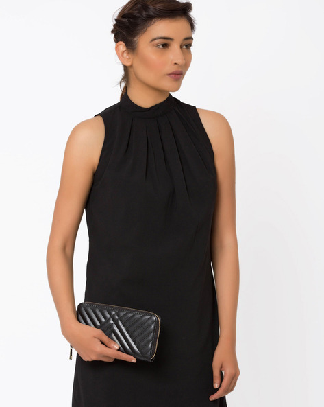 Lynessa Clutch With Stitched Detail By Carlton London ( Black )