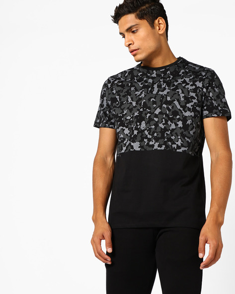 Colourblock Crew-Neck T-shirt By AJIO ( Black )