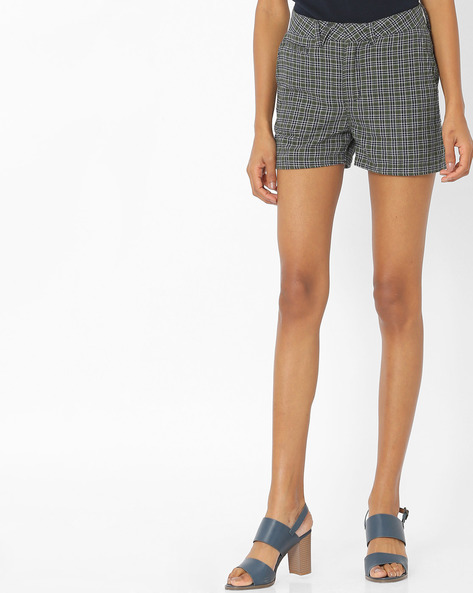 Checked Shorts With Belt Loops By Amari West ( Green )
