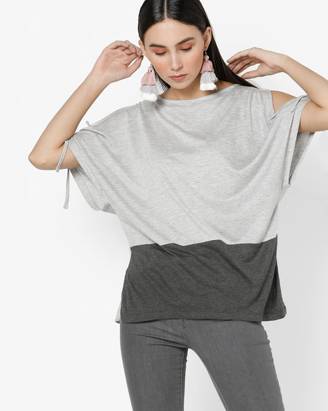 Knitted Cold-Shoulder Top With Tie-Up Sleeves By AJIO ( Lightgreymelange )