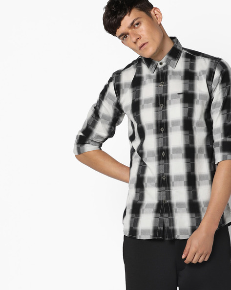 Checked Shirt With Spread Collar By WRANGLER ( Black )