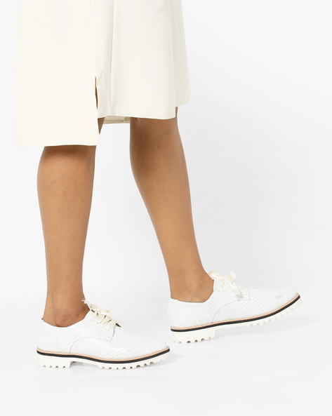 Perforated Genuine Leather Lace-Up Shoes By Carlton London ( White )