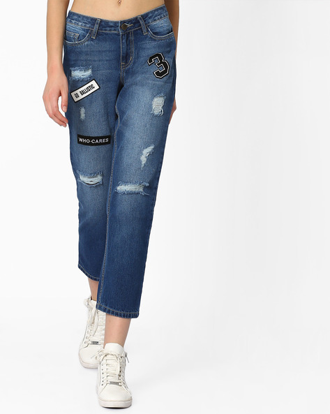 Lightly Washed Boyfriend Jeans With Patches By AJIO ( Lightblue )