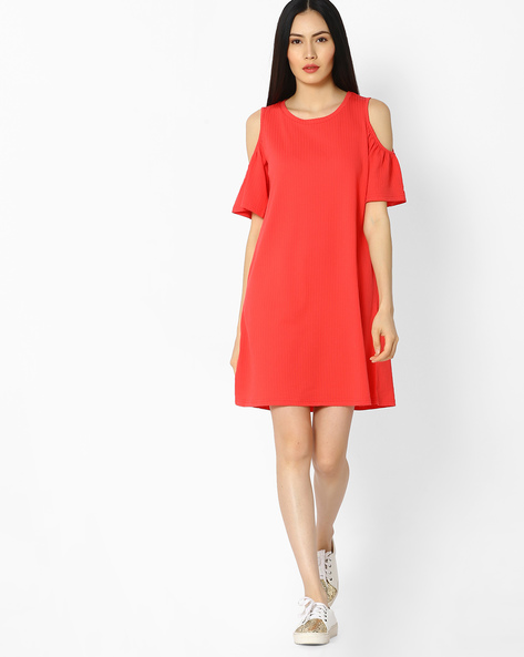 Shift Dress With Cold Shoulders By Vero Moda ( Red )