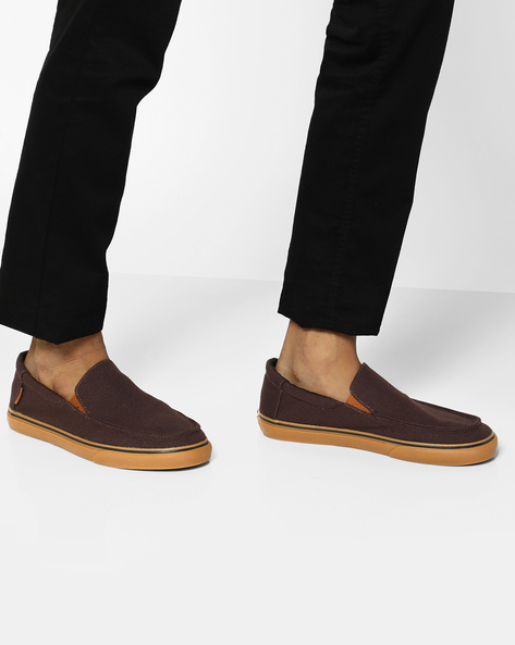 Classic Slip-On Casual Shoes By Vans ( Brown ) - 460103992002