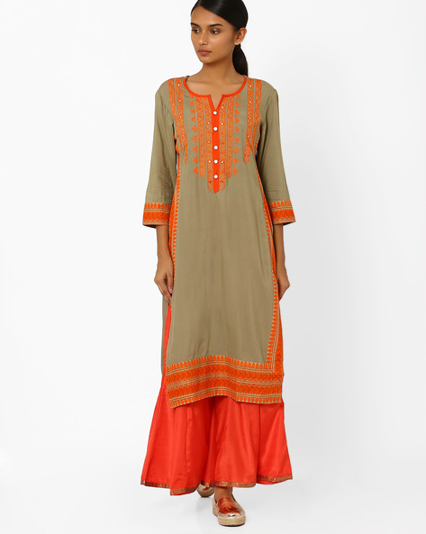 Straight Kurta With Embroidery By Kifahari ( Grey )