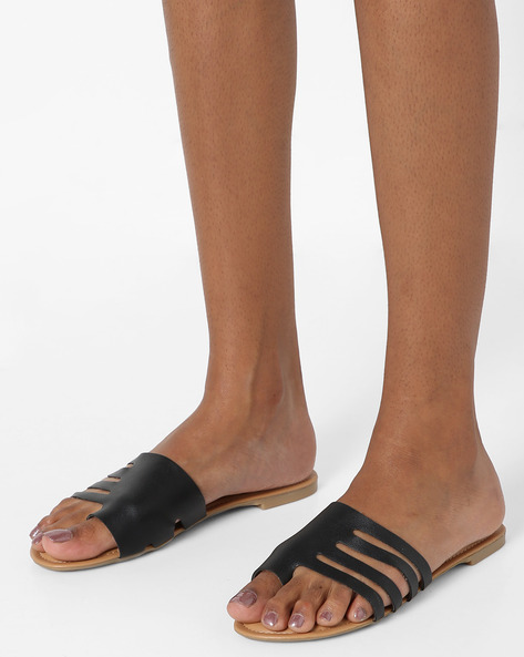 Toe-Ring Flat Sandals With Cut-Outs By AJIO ( Black )