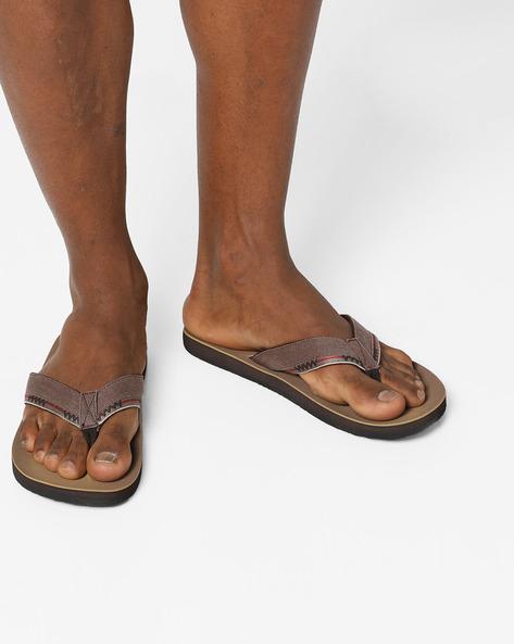Thong-Style Flip-Flops By Lee Cooper ( Brown )