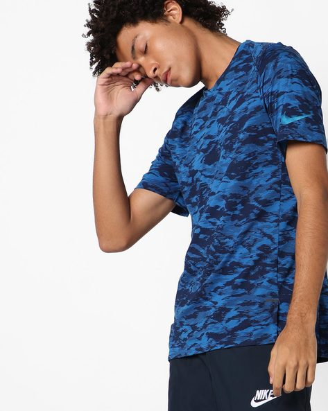 Camouflage Print Crew-Neck T-shirt By NIKE ( Blue )