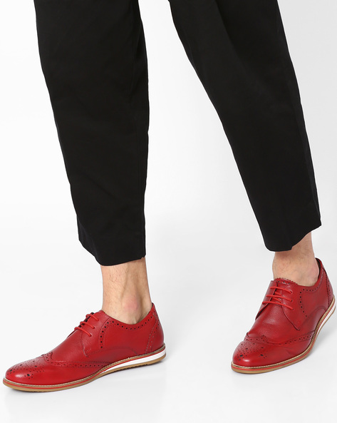 Faux-Leather Shoes With Brogue Detail By AJIO ( Red )