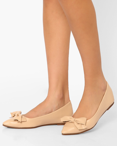 Pointed-Toe Ballerinas With Bow By MFT Couture ( Cream )