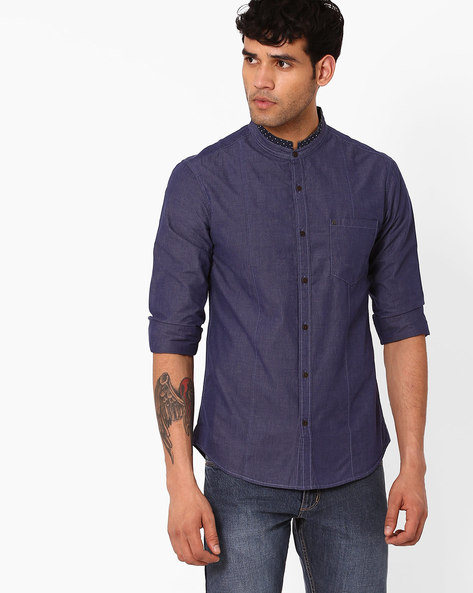 Slim Panelled Shirt With Mandarin Collar By AJIO ( Blue )